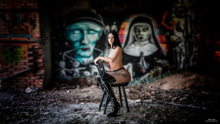 Lost Place nude Photoshooting with Chloe Rose