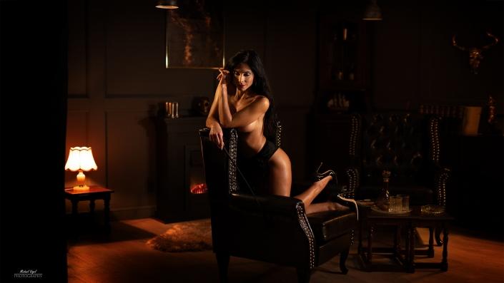 Im Herrenzimmer mit Melie - Aktfotografie